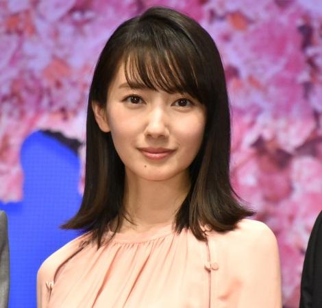 映画『弥生、三月−君を愛した30年−』の完成披露舞台あいさつに登壇した波瑠 (C)ORICON NewS inc.