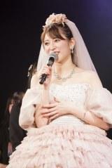 当初の予定より3週間遅れでNMB48を卒業した吉田朱里(C)NMB48