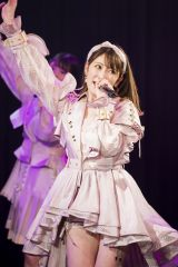 ミニスカ衣装でも魅了したアカリンこと吉田朱里(C)NMB48