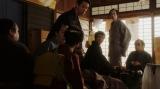 あることを思いついた一平(成田凌)=連続テレビ小説『おちょやん』第4週・第19回(12月24日放送) (C)NHK