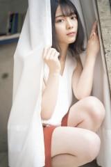 『FLASHスペシャルグラビアBEST』2021年新年号表紙を飾る櫻坂46・森田ひかる(C)佐藤佑一、光文社