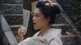 口入れ屋の紹介で「カフェーキネマ」へやって来た竹井千代(杉咲花)=連続テレビ小説『おちょやん』第5週・第21回より (C)NHK