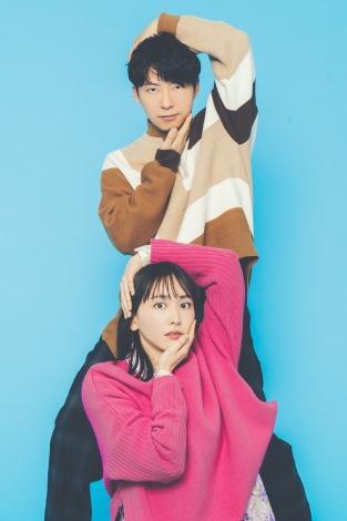 新春スペシャルドラマ『逃げるは恥だが役に立つ ガンバレ人類!新春スペシャル!!』に出演する新垣結衣、星野源 (C)TBS
