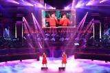TBS『第62回 輝く!日本レコード大賞』に登場した日向坂46(左から)齊藤京子、加藤史帆(C)TBS