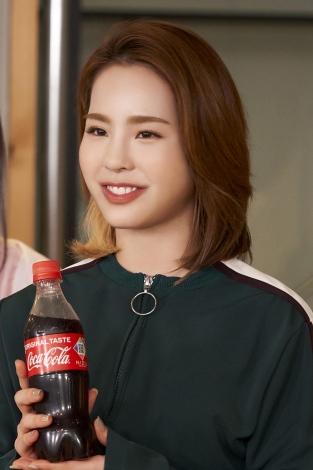 MAKO=NiziU出演「コカ・コーラ」新CM『この瞬間が、私。』篇メイキングより
