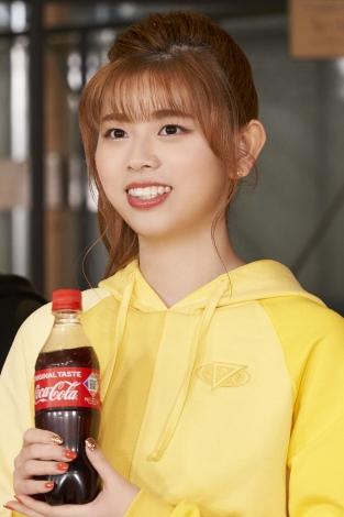 RIKU=NiziU出演「コカ・コーラ」新CM『この瞬間が、私。』篇メイキングより