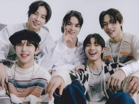 『I-LAND』出身5人が新グループのメンバーに(写真左上から時計回りに)TAKI、K、NICHOLAS、EJ、KYUNGMIN(C)Big Hit Entertainment Japan