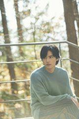 『岡田健史カレンダー2021.04−2022.03』(東京ニュース通信社)
