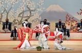 『春調娘七種』(左から)静御前=中村児太郎、曽我五郎=市川右團次、曽我十郎=中村壱太郎 (C)松竹