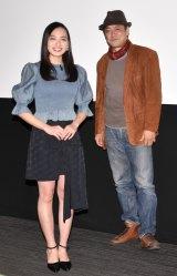 映画『かくも長き道のり』完成披露試写会に出席した(左から)北村優衣、デビット伊東 (C)ORICON NewS inc.