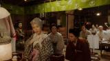 左から、山村千鳥(若村麻由美)、薮内清子(映美くらら)、竹井千代(杉咲花)、シゲ(西村亜矢子)。 三楽劇場・楽屋にて。千鳥にあることを提案する千代たち=連続テレビ小説『おちょやん』第6週・第26 回より (C)NHK