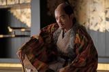 織田信長(染谷将太)=大河ドラマ『麒麟がくる』第40回より (C)NHK