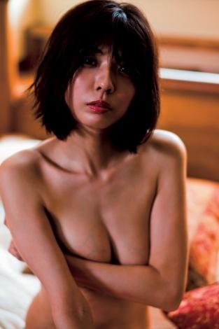 宮地真緒写真集『逢燦燦』(講談社)より 撮影/安藤広樹