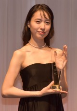 新婚・戸田、表彰式で喜びスピーチ