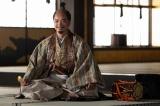 織田信長(染谷将太)=大河ドラマ『麒麟がくる』第41回(1月17日放送) (C)NHK