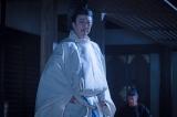 正親町天皇(坂東玉三郎)=大河ドラマ『麒麟がくる』第41回(1月17日放送) (C)NHK