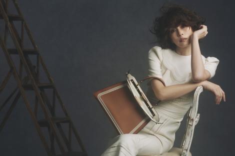 FENDIジャパンのブランドアンバサダーに就任した米倉涼子