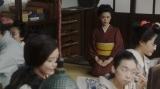 大部屋女優たちにあいさつをする竹井千代(杉咲花)=連続テレビ小説『おちょやん』第6週・第30回より (C)NHK