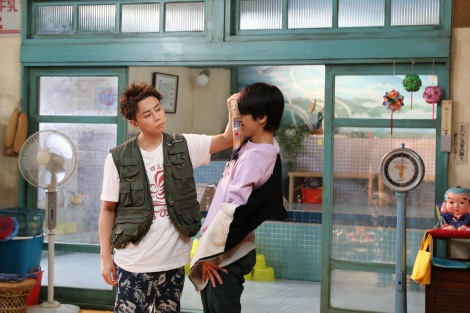 シンドラ『でっけぇ風呂場で待ってます』にW主演する北山宏光と佐藤勝利 (C)NTV・J Storm