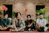 ボーカルHIROSHI(左から2人目)も出演する『3Bの恋人』主題歌を担当するFIVE NEW OLD