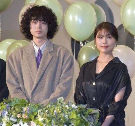 映画『花束みたいな恋をした』の公開直前イベントに参加した(左から)菅田将暉、有村架純 (C)ORICON NewS inc.