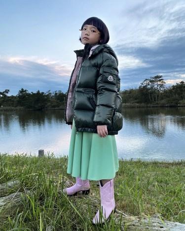 土屋太鳳と田中圭の娘・ヒカリ役を演じたCOCO(C)2021 『哀愁しんでれら』製作委員会
