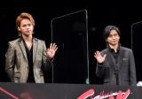 映画『Endless SHOCK』の初日舞台あいさつに出席した(左から)上田竜也、堂本光一 (C)ORICON NewS inc.