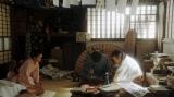 連続テレビ小説『おちょやん』第9週・第42回より。千代からあることをお願いされる須賀廼家千之助(星田英利)(C)NHK