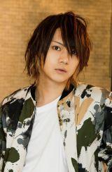 28日スタートのドラマ『おしゃれのお耐えがわからない』に出演する佐藤流司(C)日本テレビ