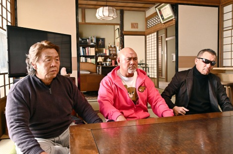 『俺の家の話』への出演が決定した(左から)長州力、武藤敬司、蝶野正洋 (C)TBS