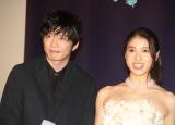 映画『哀愁しんでれら』初日舞台挨拶に登壇した(左から)田中圭、土屋太鳳 (C)ORICON NewS inc.