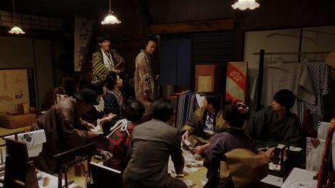 役者たちにあることを言う千之助(星田英利)=連続テレビ小説『おちょやん』第10週・第49回より (C)NHK
