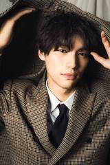 『Sota Fukushi 10th Anniversary Photo Book』の発売が決定した福士蒼汰