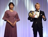 K-1 JAPAN GROUP年間表彰式『K-1 AWARDS 2020』に出席した(左から)久松郁実、武尊 (C)ORICON NewS inc.