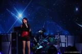 「オダイバ!!超次元音楽祭 ヨコハマからハッピーバレンタインフェス2021」に出演した藍井エイル