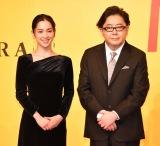 レストランガイドブック『ゴ・エ・ミヨ 2021』の出版記念授賞式に出席した(左から)中村アン、秋元康 (C)ORICON NewS inc.
