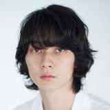 『彼女のウラ世界』に出演する柳俊太郎