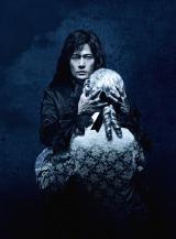 舞台『サンソン-ルイ16世の首を刎ねた男-』に出演する稲垣吾郎