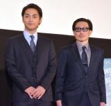 『ターコイズの空の下で』先行プレミアム上映の舞台あいさつに参加した(左から)柳楽優弥、KENTARO監督 (C)ORICON NewS inc.