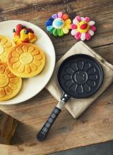 『smart』4月号付録「村上隆のお花パンケーキパン」