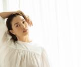 美容雑誌『&ROSY』に登場する蛯原友里(宝島社)