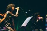 石崎ひゅーいと3曲披露=『菅田将暉 LIVE STREAMING 20210221』より Photo by Yusuke Oishi (MARCOMONK)