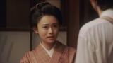 ヨシヲと話しをする竹井千代(杉咲花)=連続テレビ小説『おちょやん』第12週・第58回より (C)NHK