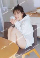 乃木坂46・山下美月表紙『WHITE graph 005』楽天ブックス限定ポスター