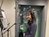 『お願い!ランキング』でオープニングを歌う斎藤ちはるアナウンサー (C)テレビ朝日