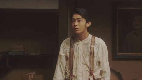 一平に水をぶっかけられたヨシヲ(倉悠貴)=連続テレビ小説『おちょやん』第12週・第58回より (C)NHK