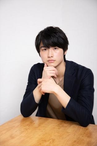 黒田哲也役の岐洲匠=ABCテレビ(関西)で放送中のドラマ+『ももいろ あんずいろ さくらいろ』