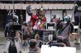 『魔進戦隊キラメイジャーVSリュウソウジャー』の場面カット (C)2021 東映ビデオ・東映 AG ・東映 (C)テレビ朝日・東映 AG ・東映