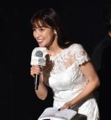 『第32回 マイナビ 東京ガールズコレクション 2021 SPRING/SUMMER』に登場した鷲見玲奈 (C)ORICON NewS inc.