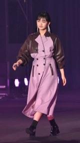 『第32回 マイナビ 東京ガールズコレクション 2021 SPRING/SUMMER』に登場した櫻坂46・山崎天 (C)ORICON NewS inc.